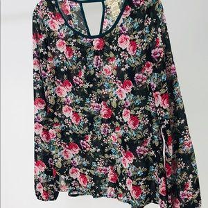 Long sleeve floral black and pink medium
